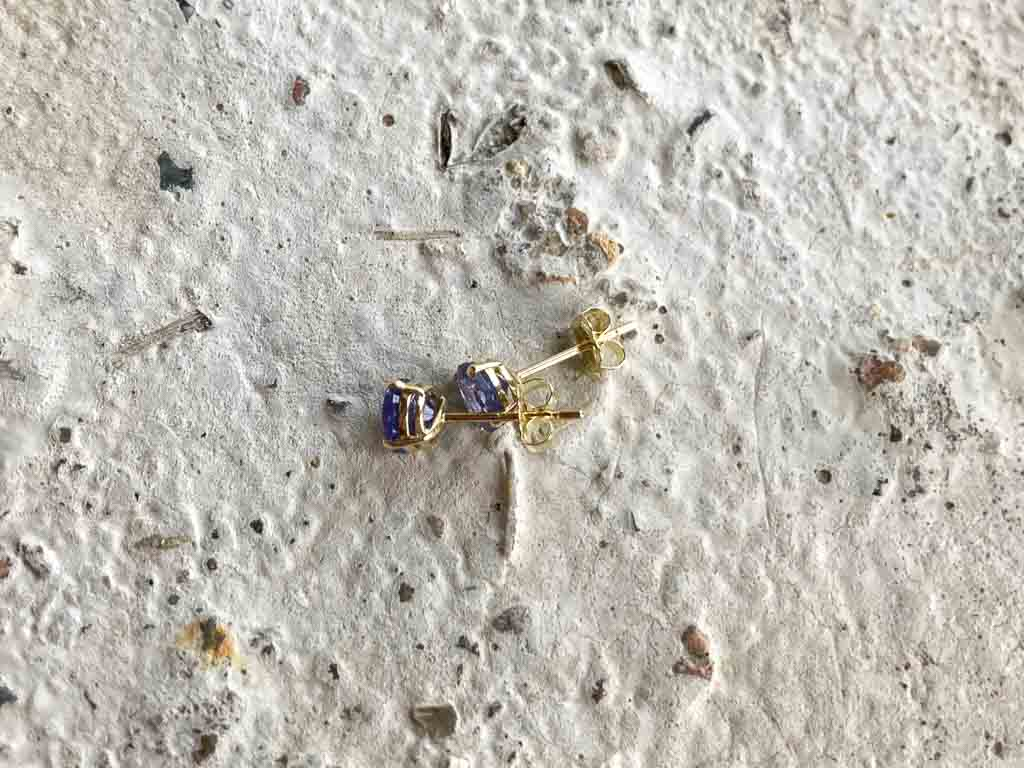 CUSTOM WORK | Bespoke gold ear studs with tanzanites