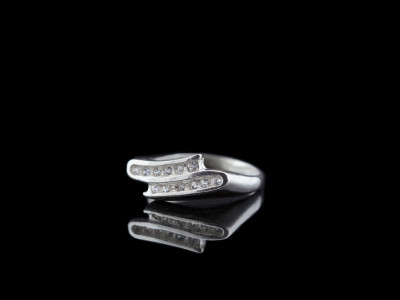 ZIG ZAG | Sterling Silver with 12 white Sapphires