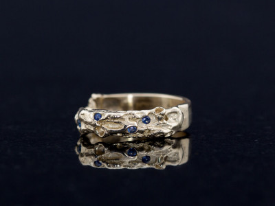 VOLCANIC SAPPHIRE | Organic Gold Ring with 4 Sapphires