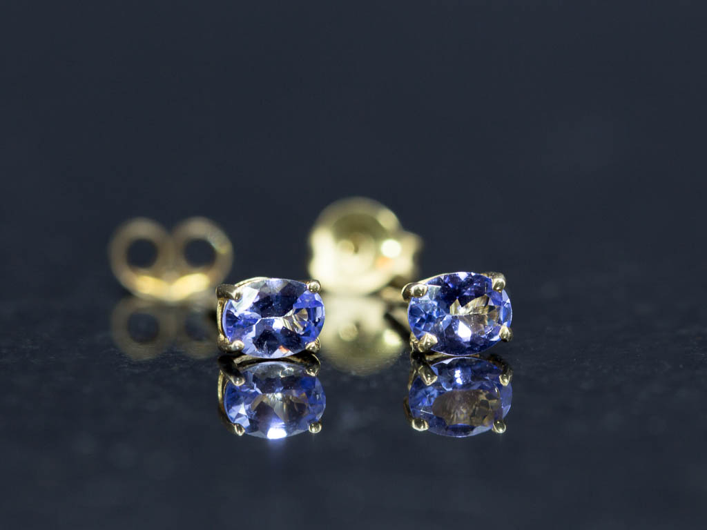 TANZANITE SPARKLE | Ear studs in Gold vermeil Sterling Silver (made to order)
