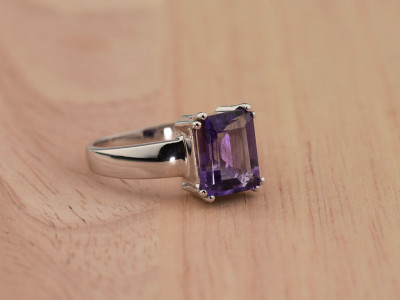 OCTAGON AMETHYST | Rhodium plated Sterling Silver ring (Sold out)