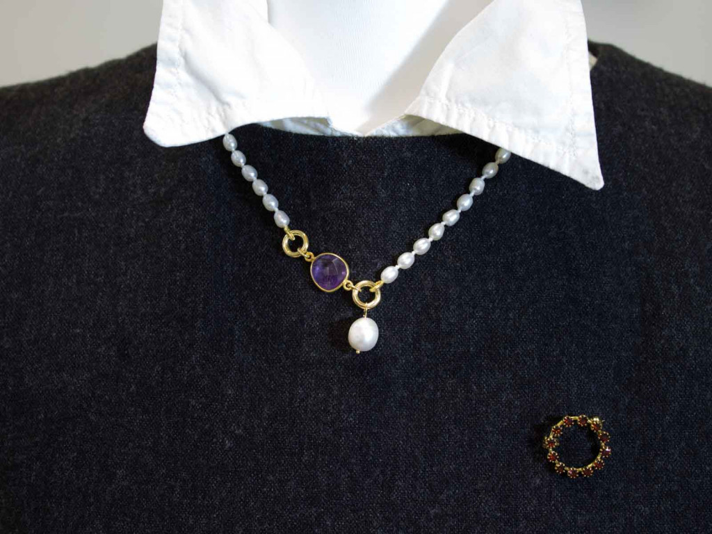 Elegant necklace from Pearls with facetted Amethyst in Gold vermeil (sold out)