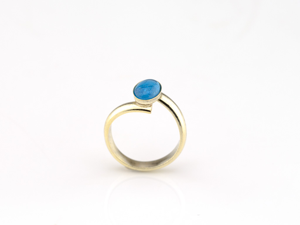 BLUE AND GOLD | Solid Gold crossover ring with Apatite (made to order)