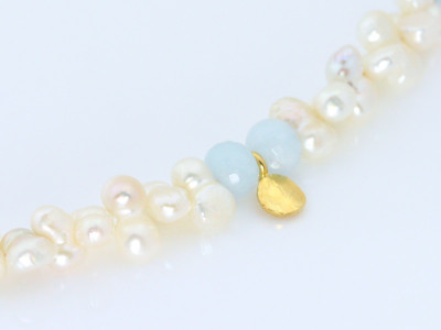 Pearl Aquamarine Gold necklace with hammered golden leaf (sold)