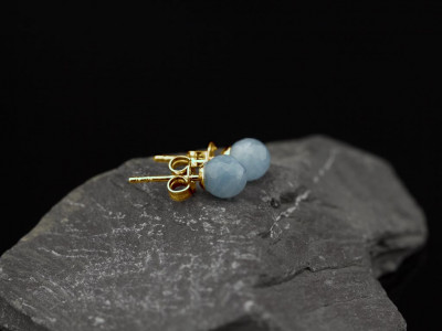 AQUAMARINE SPHERES   Ear studs in solid Gold (made to order)
