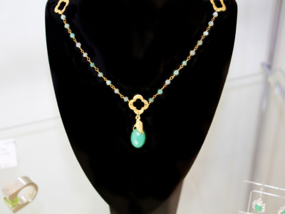 Chrysoprase Golden necklace (sold out)