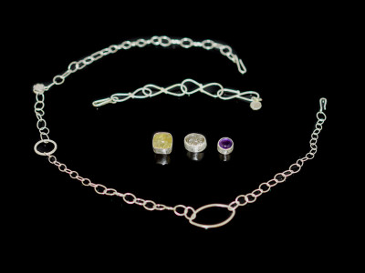 MAGNETIC | Set with necklace and bracelet and 3 gemstones