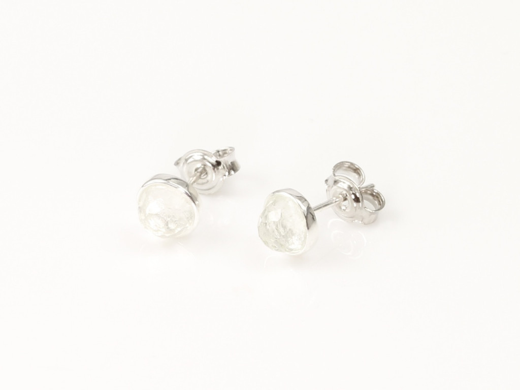 White faceted Topaz in Sterling Silver round earstuds (sold out)
