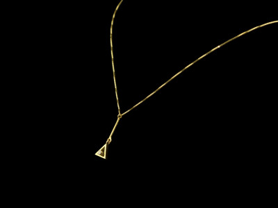 THE GOLDEN SECTION   18ct Gold Diamond necklace