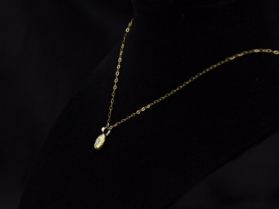 DIAMOND GOLD NUGGET   Necklace in 9K Gold