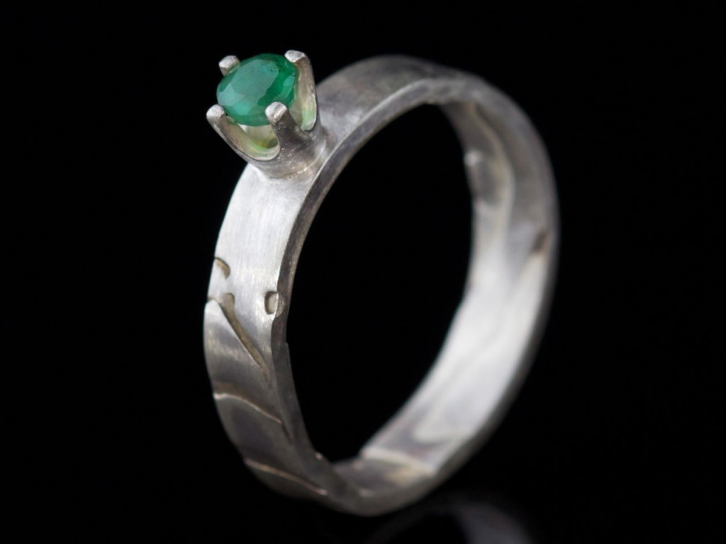 Sakura Green faceted Emerald crown Sterling Silver Ring (Sold Out)