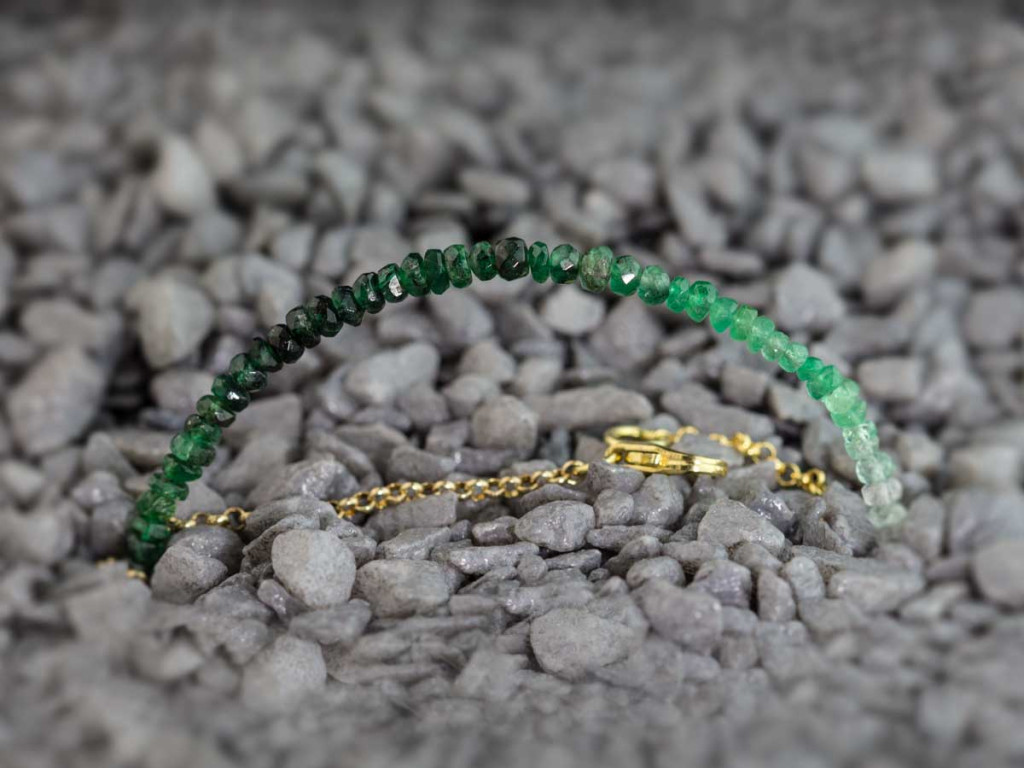 Emerald Shades | Bracelet with Gold chain (sold out)