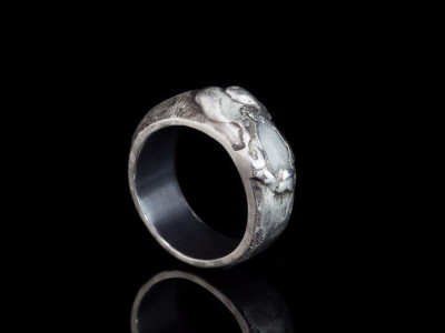 WHITE EMERALD ON BLACK SILVER | Ring in Sterling Silver (sold)