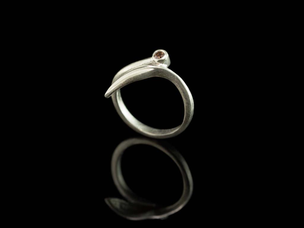 Leaf | Garnet Sterling Silver Ring (Sold out)