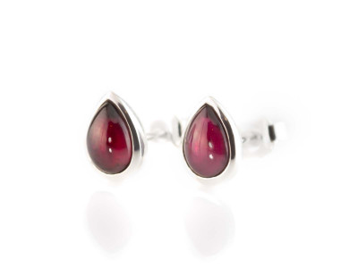 Dark Red Garnet Eyes | ear studs drop shaped faceted | Sterling Silver (sold out)
