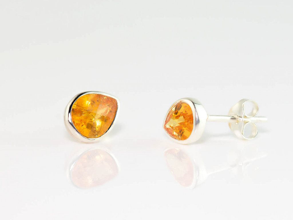 Mandarin Garnet Eyes | ear studs drop shaped faceted | Sterling Silver (sold)