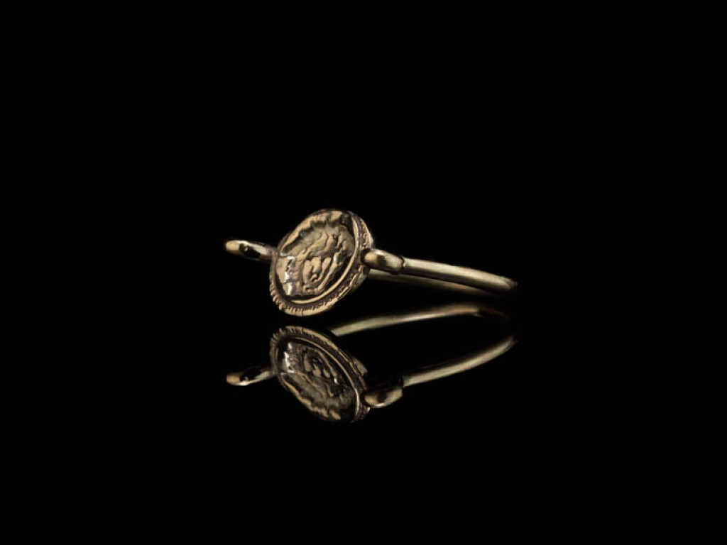 GREEK MYTHOLOGY | Solid Gold ring with the face of the Medusa (9ct) (sold)