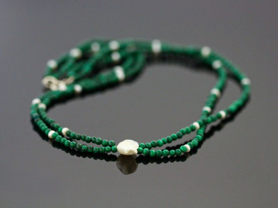 Green Forest | Malachite double-strand Necklace with white freshwater Petal Pearl and button pearls (sold out)