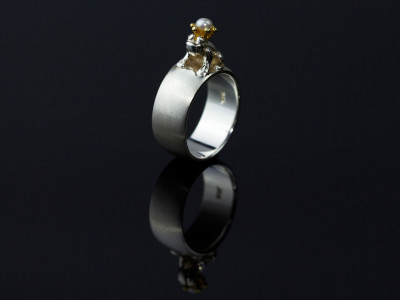 Pearl on an enchanted frog Sterling Silver Ring | Gold Crown Version