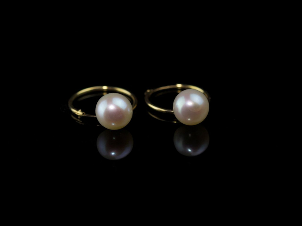 9ct Gold Ear Creoles with Pearl (Sold Out)