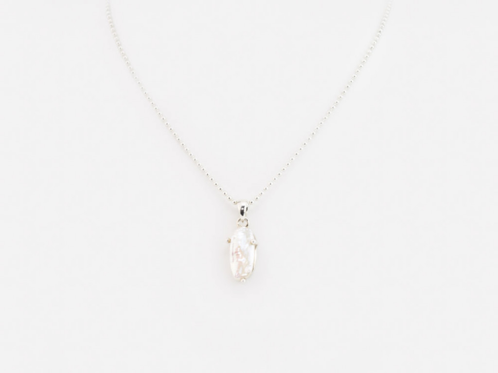 LONG PEARL | Sterling Silver spheres necklace with Biwa Pearl (Sold Out)