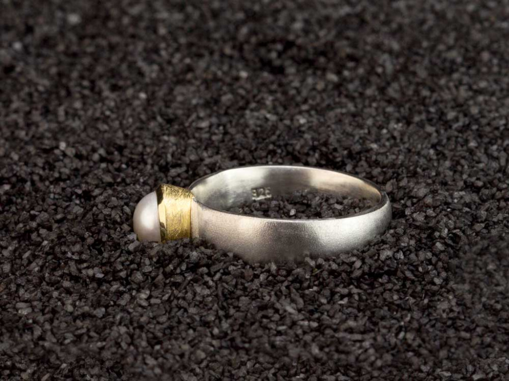 PEARL RING IN SILVER WITH GOLD BEZEL | Matte brushed finish (sold)