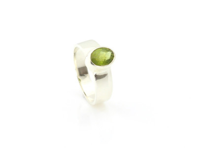 Peridot ring faceted Sterling Silver (sold out)