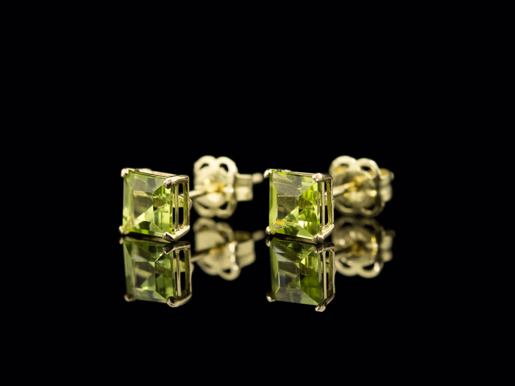 PRINCESS PERIDOT | 9ct Gold ear studs