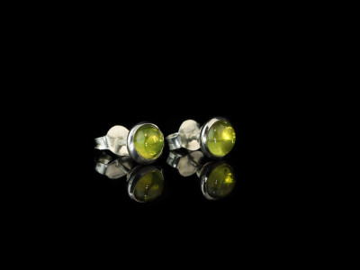 PERIDOT GLOW | Sterling Silver ear studs (sold out)