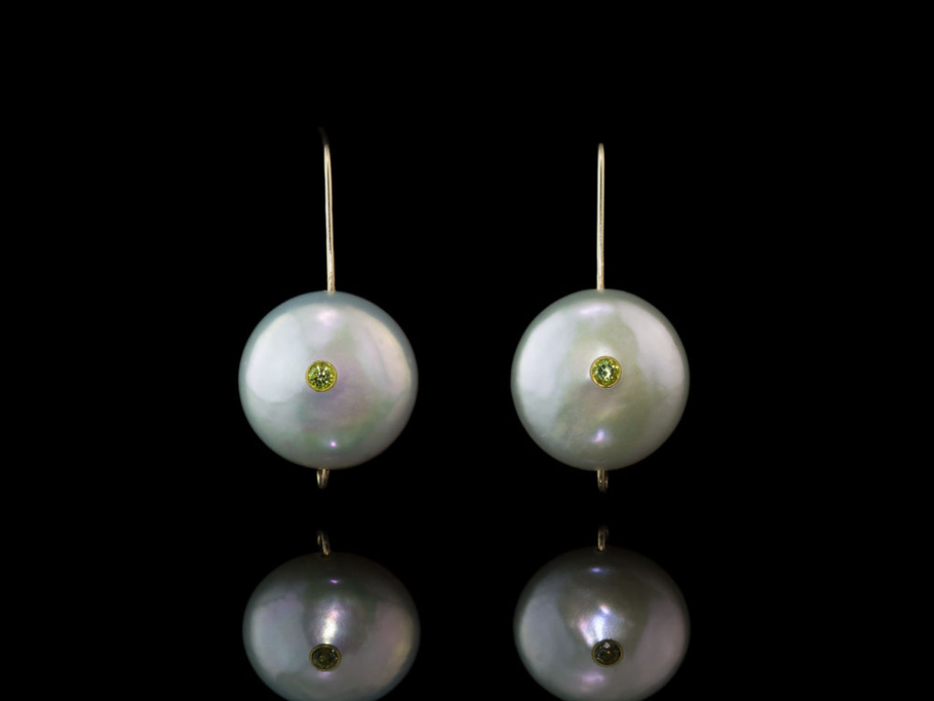 DOUBLE PERIDOT COIN PEARL | Gold Earrings | 18 and 9 Carat (Sold out)