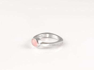 ROSE QUARTZ OVAL DOME | Matte Sterling Silver ring