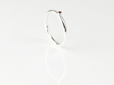 Red Dot | Elegant round Ruby polished Sterling Silver Ring (sold out)