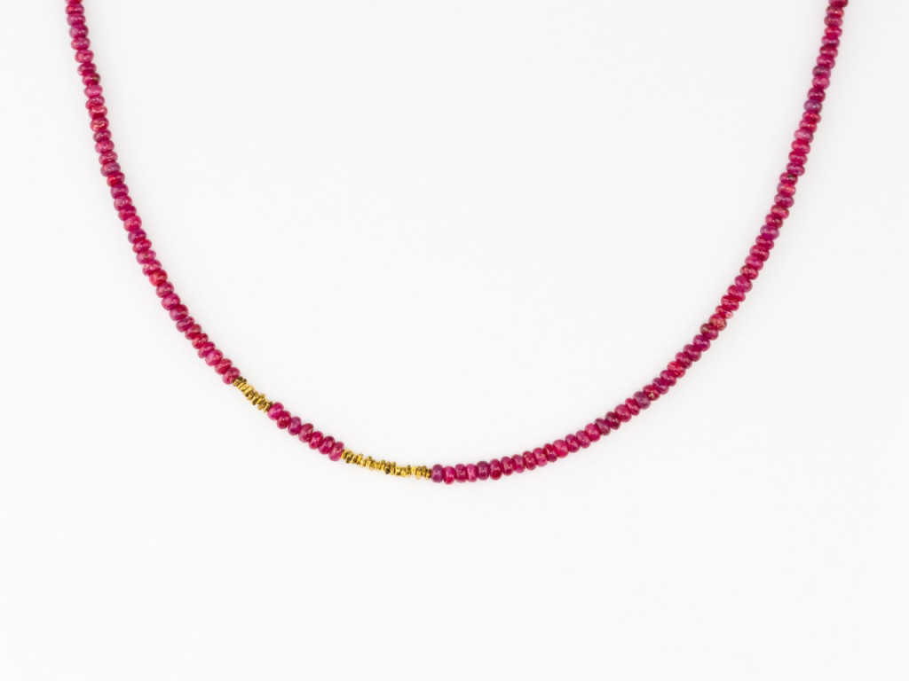 Super Polished Red Ruby Gold Necklace with tiny golden sticks and fancy sphered golden clasp (SOLD OUT)