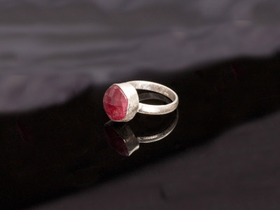 Ruby faceted Sterling Silver Ring (Sold out)