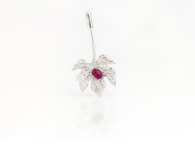 Grape Leaf with Ruby | Sterling Silver brooch with the red precious stone (sold)