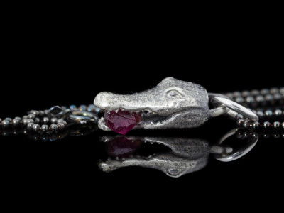 CROCODILE BITES RUBY | Black Sterling Silver necklace