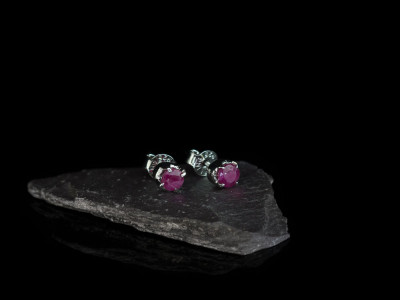 RED RUBY RHODIUM | Ear studs in polished Sterling Silver (sold)