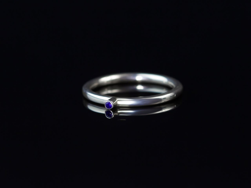 BLUE DOT | Elegant Sapphire polished Sterling Silver Ring (sold out)