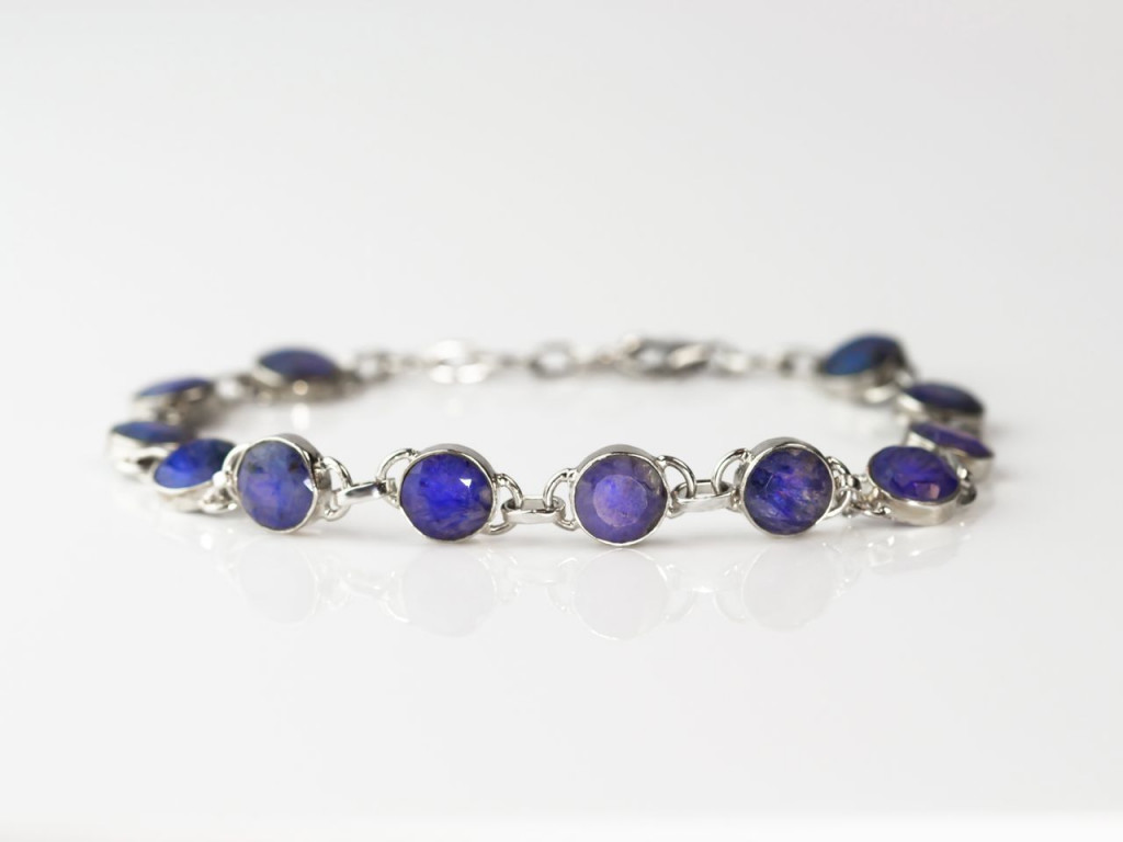 Ratnapuri Sapphire Bracelet | Sterling Silver with facetted Sapphire discs on a chain (sold out)
