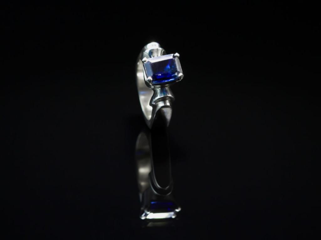 DARK BLUE STATELY | Sapphire Sterling Silver ring