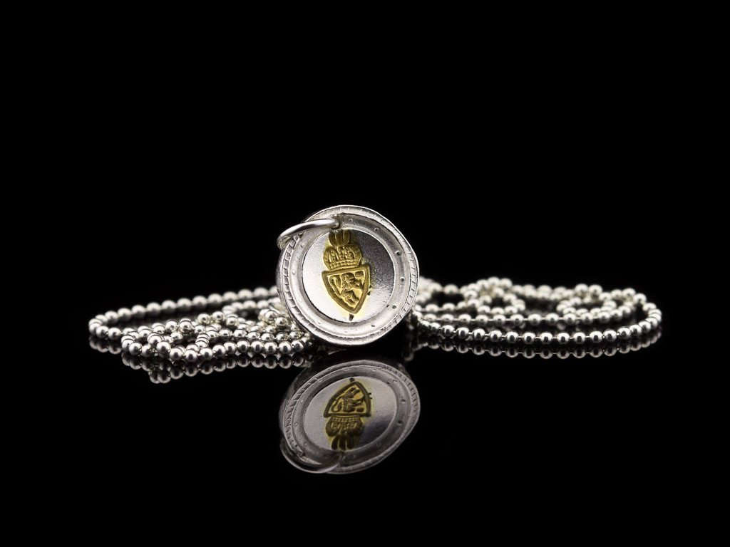 CREST SEAL | Sterling Silver necklace with 24ct Gold inlay