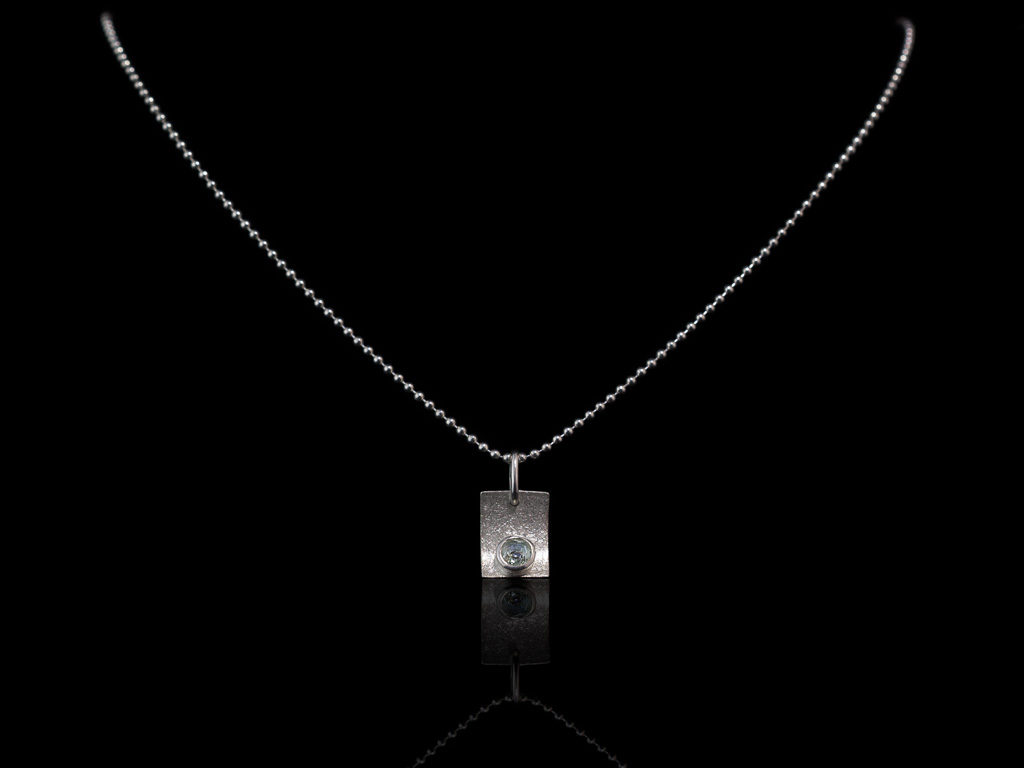 TOPAZ CONCAVE | Sterling Silver necklace with brushed rectangle (Sold out)