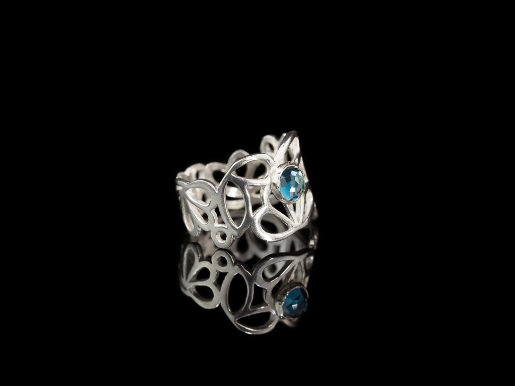 LOTUS LONDON TOPAZ | Brushed Sterling Silver ring
