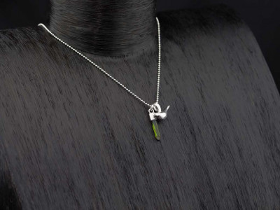 TOURMALINE CRYSTAL WITH PUFFY BIRD | Sterling Silver necklace