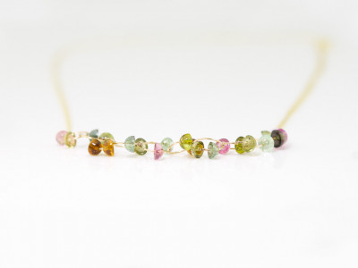 SUCH COLOURS   Gold necklace with 22 Tourmalines
