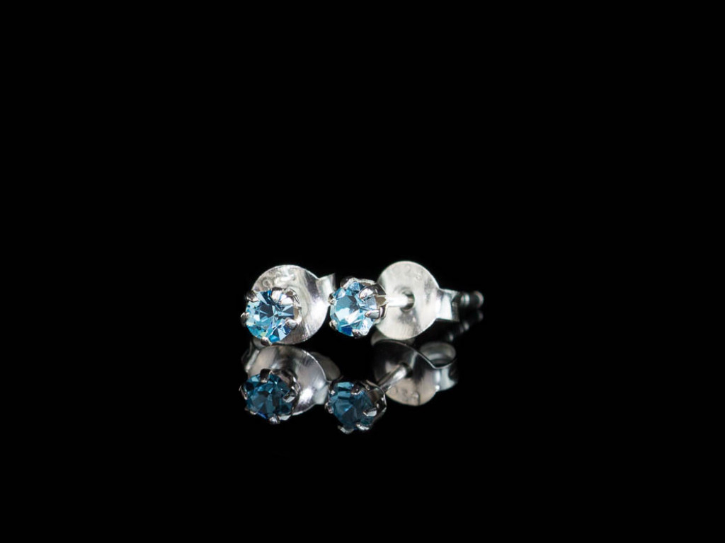 MOTHER OF PEARL FLOWERS   Ear studs with CZ in different colours (made to order)