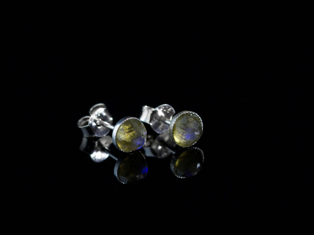 Green Blue Glow | Labradorite ear studs set in Sterling Silver (sold out)