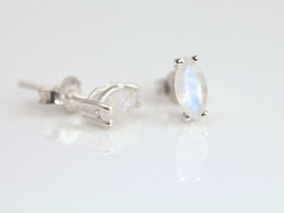 Rhombs of Moonstone | Faceted Sterling Silver Ear Studs in the fashion of the Art Nouveau (sold out)