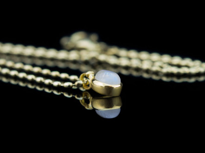 MOONBOW | Gold vermeil necklace with Rainbow Moonstone