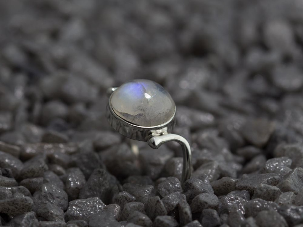 MOON RAINBOW | Sterling Silver Ring with Rainbow Moonstone (sold out)